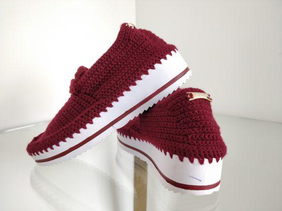 Zapato tejido vinotinto