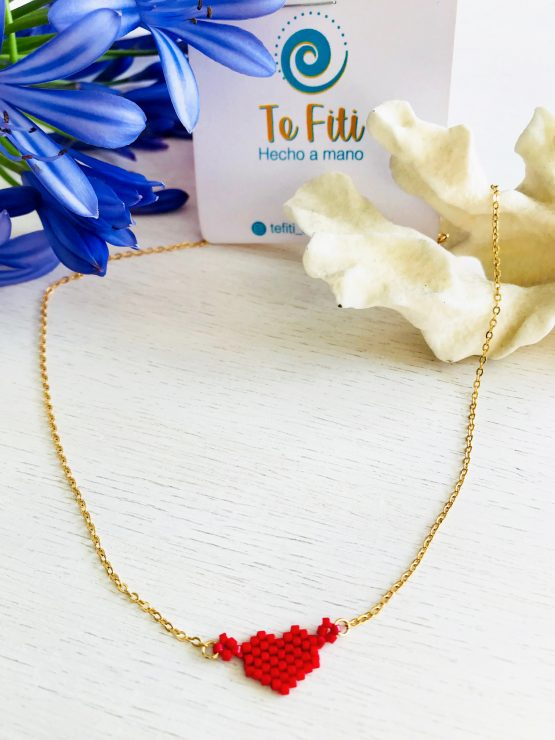 Cadena con corazón roja-dorada